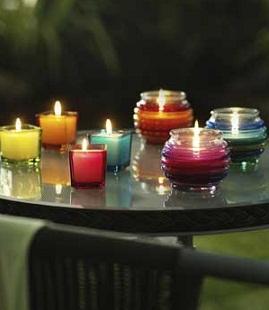 Illuminazione naturale in giardino candele