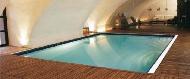 Realizzare una piscina interna for Piani di casa di lusso con costi da costruire