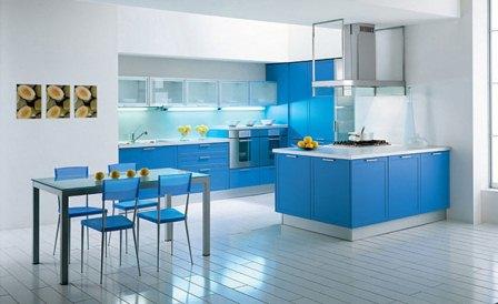 Arredamento casa nei colori blu e in verde.