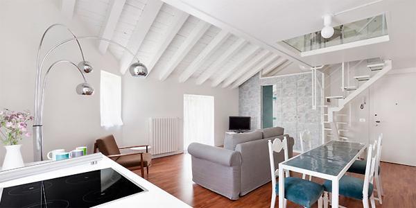 Arredare ambienti piccoli idee creative di interni e mobili for Piccoli piani di casa gratuiti