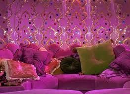 Pareti Glitter Oro : Pitturare le pareti di casa. pittura a glitter brillante luccicante