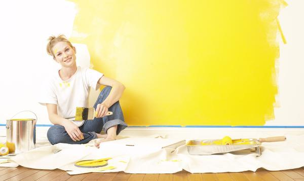Pitturare le pareti di casa pittura a glitter brillante Bright yellow wall paint