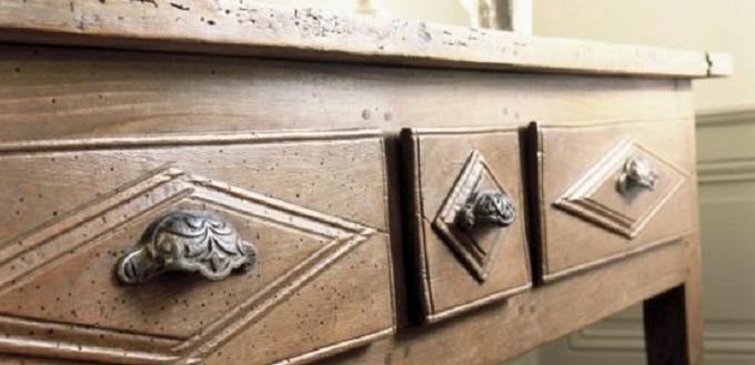 Proteggere i mobili in legno