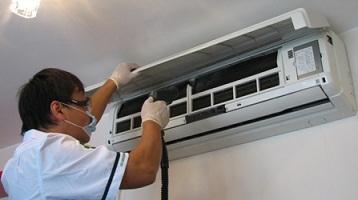 Pulire filtri condizionatore come pulire i filtri del - Condizionatore perde acqua dentro casa ...