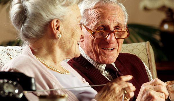 Tecnologia nelle case degli anziani. Cucina e camera da letto