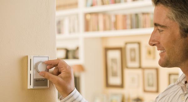 Risparmiare sul riscaldamento di casa. Termostato e cronotermostato