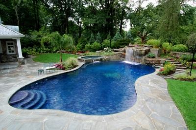 Installare una piscina in giardino le soluzioni pi for Piscine prefabbricate interrate prezzi