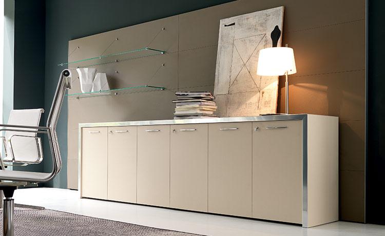 Arredare un ufficio stile e design con un occhio di for Design stanza ufficio