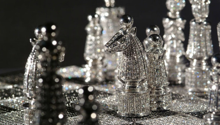 Le scacchiere di lusso. Un oggetto per impreziosire casa