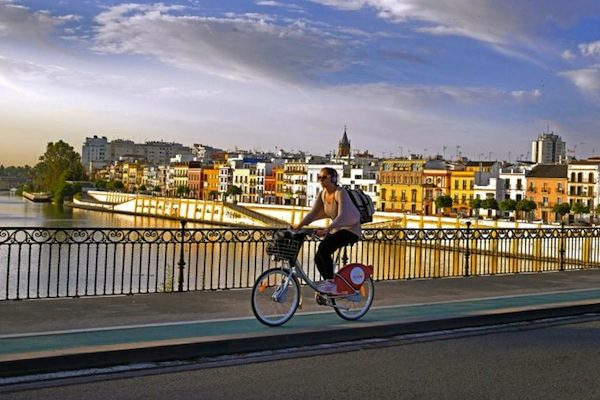 L'incanto di Siviglia. In bicicletta!