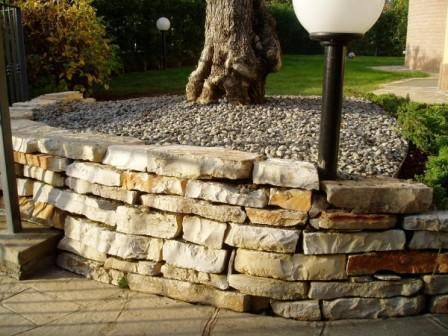 Muretti a secco come costruirli modalit tipi di pietre - Muretti in pietra giardino ...