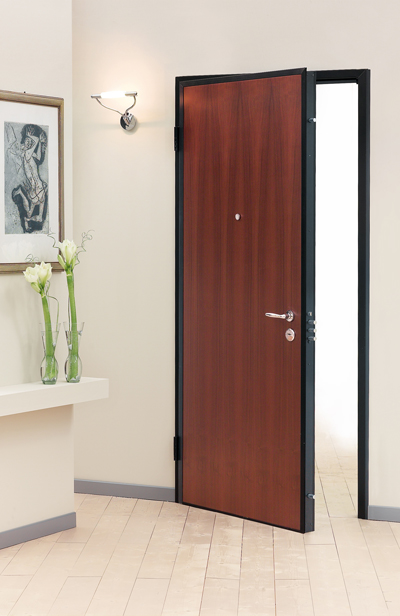 Come installare efficacemente una porta blindata tutorcasa for Alias blindate